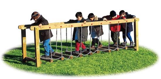 PASSERELLA MISSOURI in legno con camminamento composto da travetti e catene