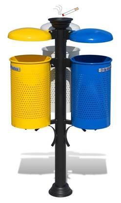 IMPIANTO TRIFOGLIO per raccolta differenziata con n.3 cestini con tettucci ribaltabili e n.1 posacenere