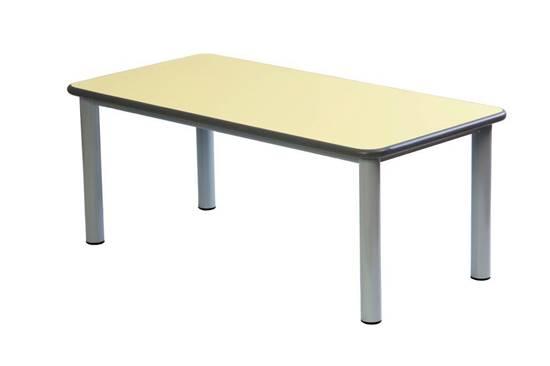 Tavolo rettangolare per scuola materna con struttura in acciaio e piano in legno con bordo in gomma